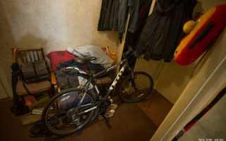 Как хранить велосипед в квартире, если совсем нет места