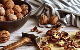 Как чистить грецкие орехи, чтобы они оставались целыми
