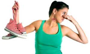 Дезодоранты для обуви: хорошие антибактериальные средства от запаха для ног, самодельные антиперспиранты, отзывы