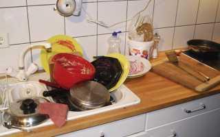 Почему нельзя оставлять грязную посуду в раковине и не мыть ее больше суток