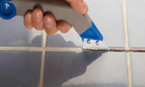 Как удалить старую затирку из швов плитки в домашних условиях: способы удаления старого шва