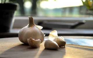 Как быстро почистить чеснок в домашних условиях