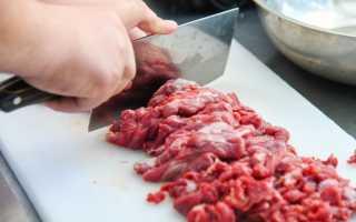Медики предупреждают об опасности блюд из сырого мяса: важно знать