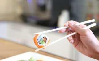 Как правильно держать палочки для суши: поэтапно фото для начинающих