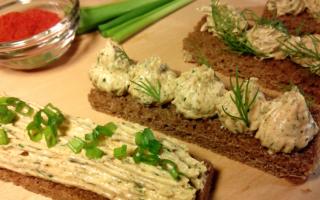 Сало перекрученное с чесноком и зеленью через мясорубку, рецепт