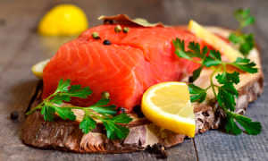 Как засолить красную рыбу в домашних условиях вкусно и быстро