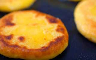 Лепёшка на сковороде быстро вместо хлеба: рецепт с фото