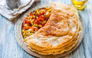 Тесто для чебуреков вкусное, хрустящее: пошаговый рецепт с фото